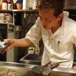 瀬戸内海と三陸海岸を結ぶ鉄板料理【はまらいん】 ポテサラを焼くという発想が秀逸だ!!